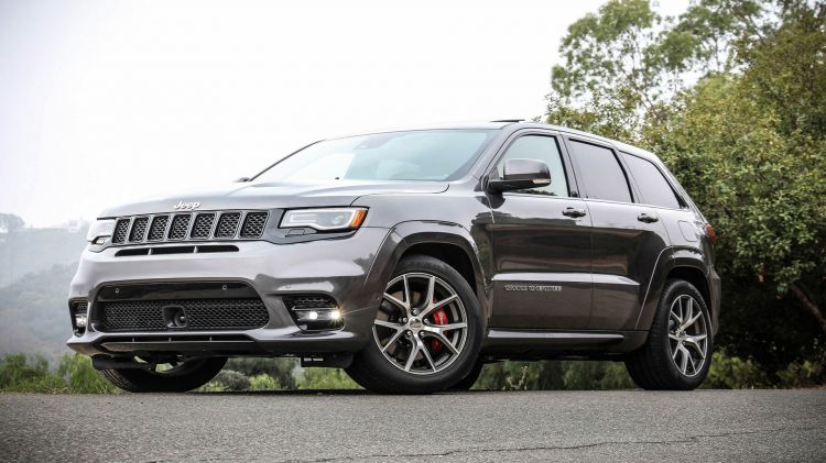 2017-Jeep-Grand-Cherokee-SRT-2_1920x1080